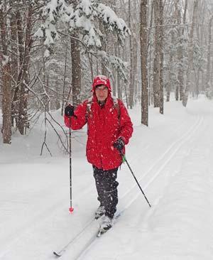 skier-in-snowstorm